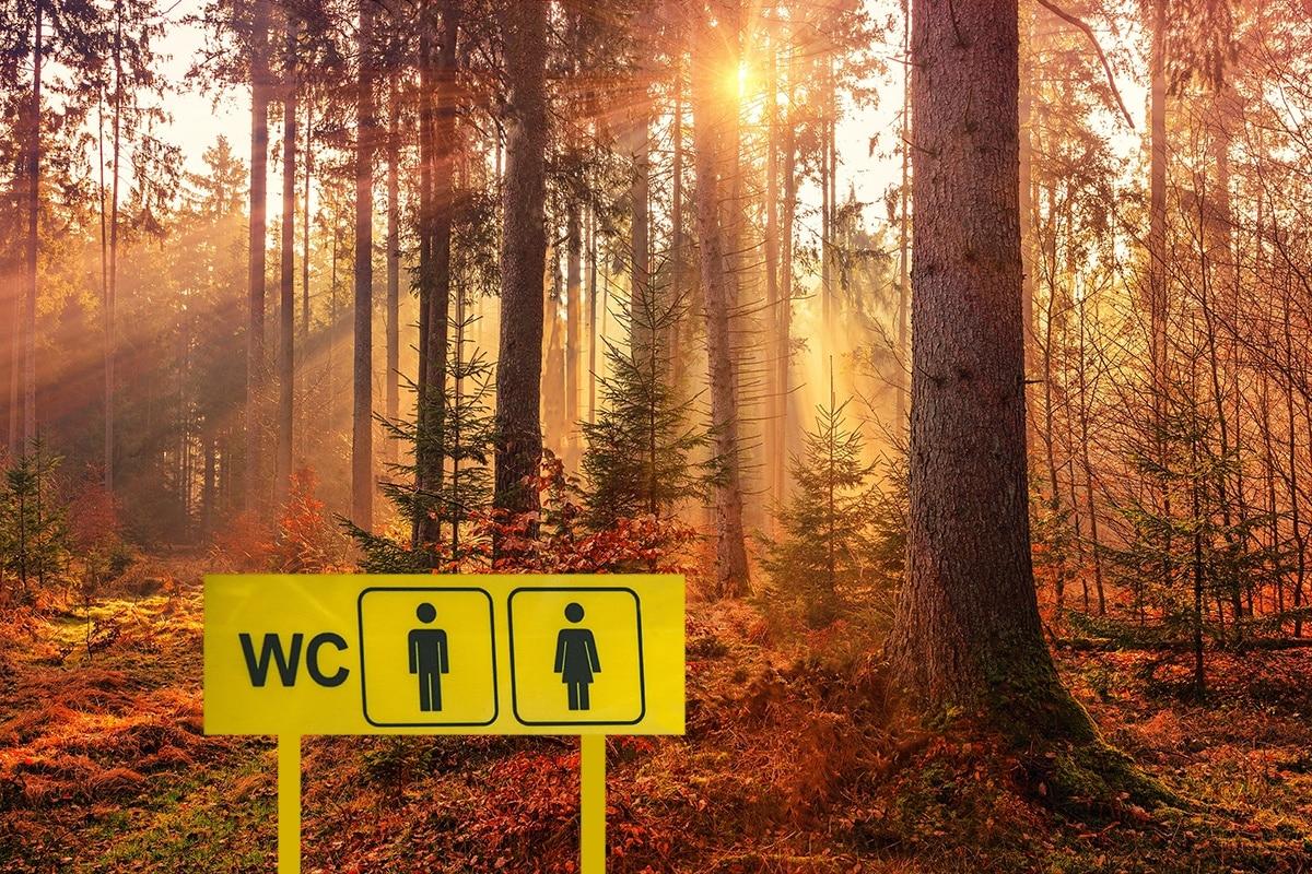 På do i naturen, latrine