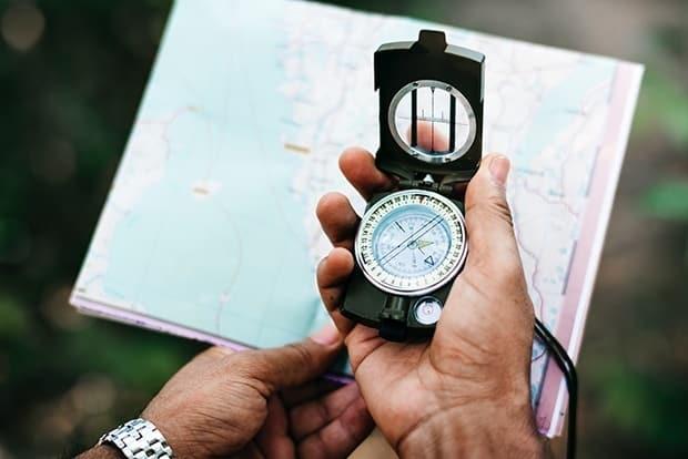 Bruke kart og kompass, ta ut en kompasskurs
