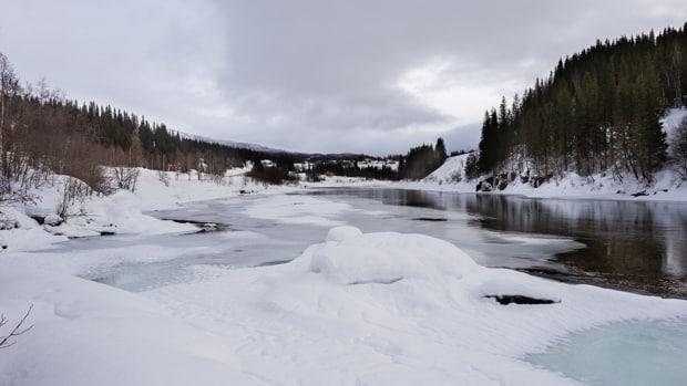isen på regulerte vann, usikker is, stålis ?