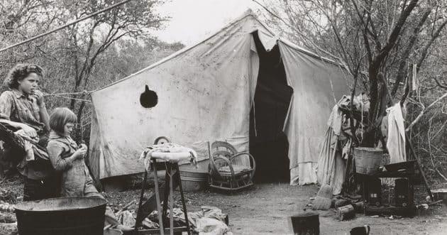 sette opp et telt, slå opp teltet